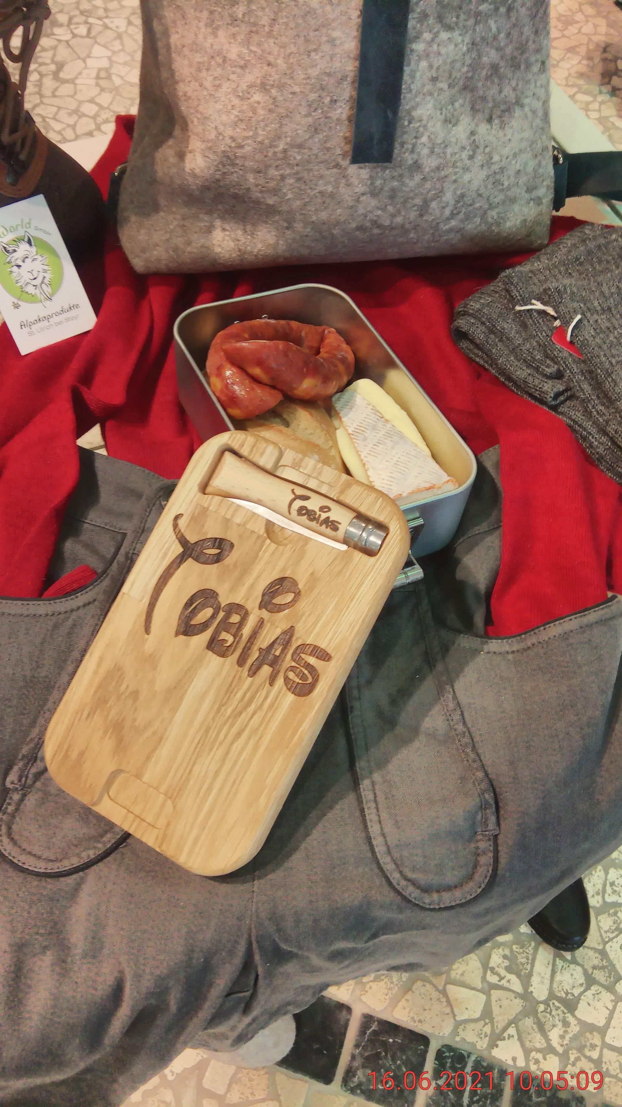 Lunchbox, Jausenbox mit Klappmesser und Wunschbeschriftung